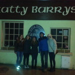 Group pic in front of Katy Barry's (except Alexis), with the Germans & Americans.