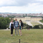 Awesome picture of us at Schoenbrunn! (Thanks, Johanna! :))