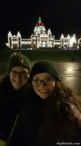Selfies with the Christmas-y Parliament buildings!